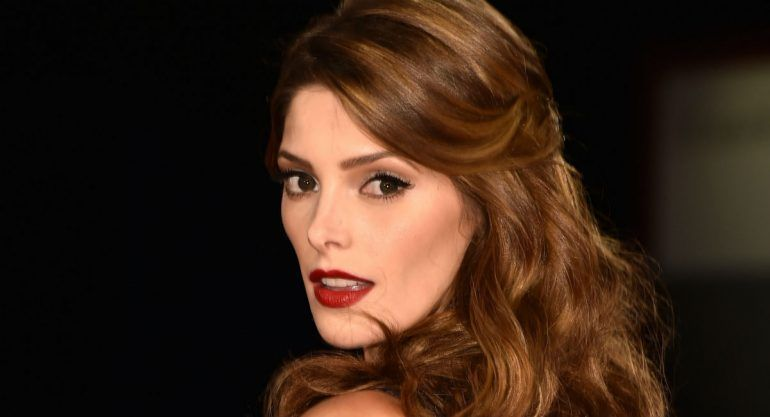 ¡Ashley Greene está comprometida!