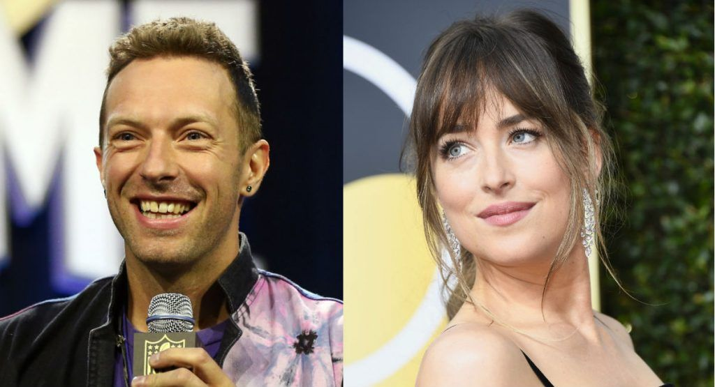 El romance de Dakota Johnson y Chris Martin va viento en popa