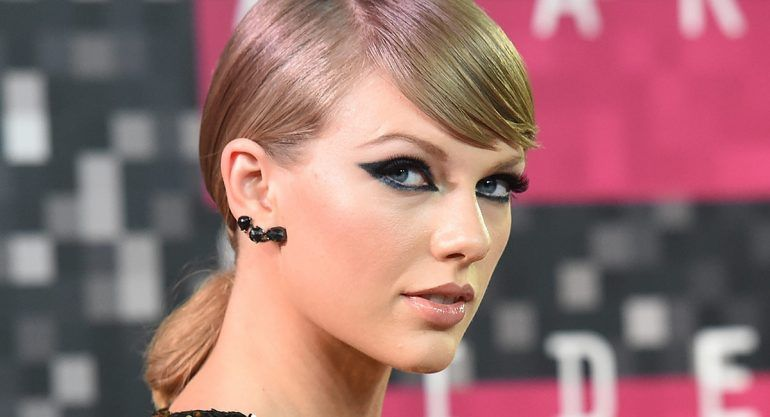 "Llaman ""barbie elitista"" a Taylor Swift"