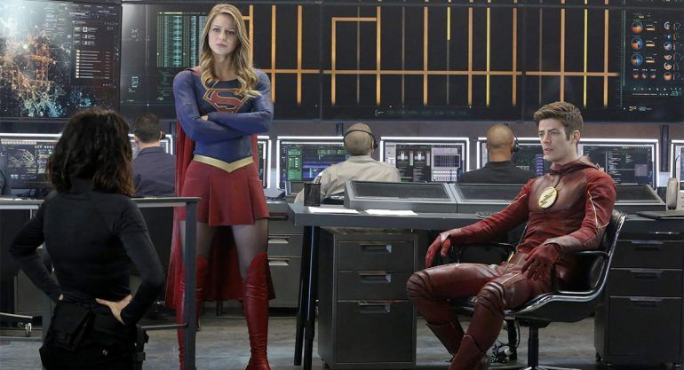 Supergirl y Flash se unen para defener al  planeta