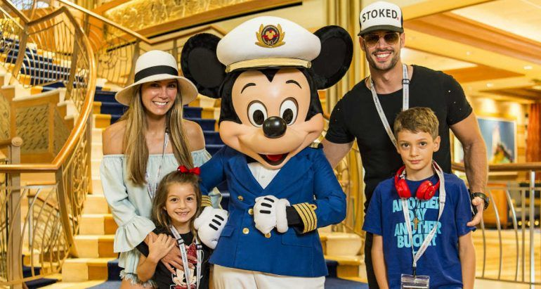 William Levy y su familia de vacaciones en Disney Cruise Line